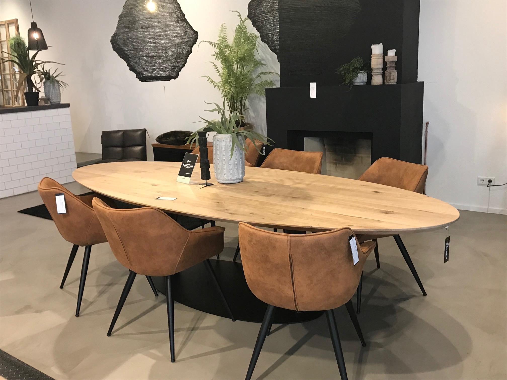 Esstisch Dining oval 300 x 120 cm Eiche Massivholz Natur   New   Maison ESTO   Ihr großer Möbel ...