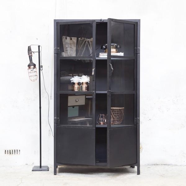 industrie design vitrinenschrank vitrine metallschrank schrank metall schwarz new maison. Black Bedroom Furniture Sets. Home Design Ideas