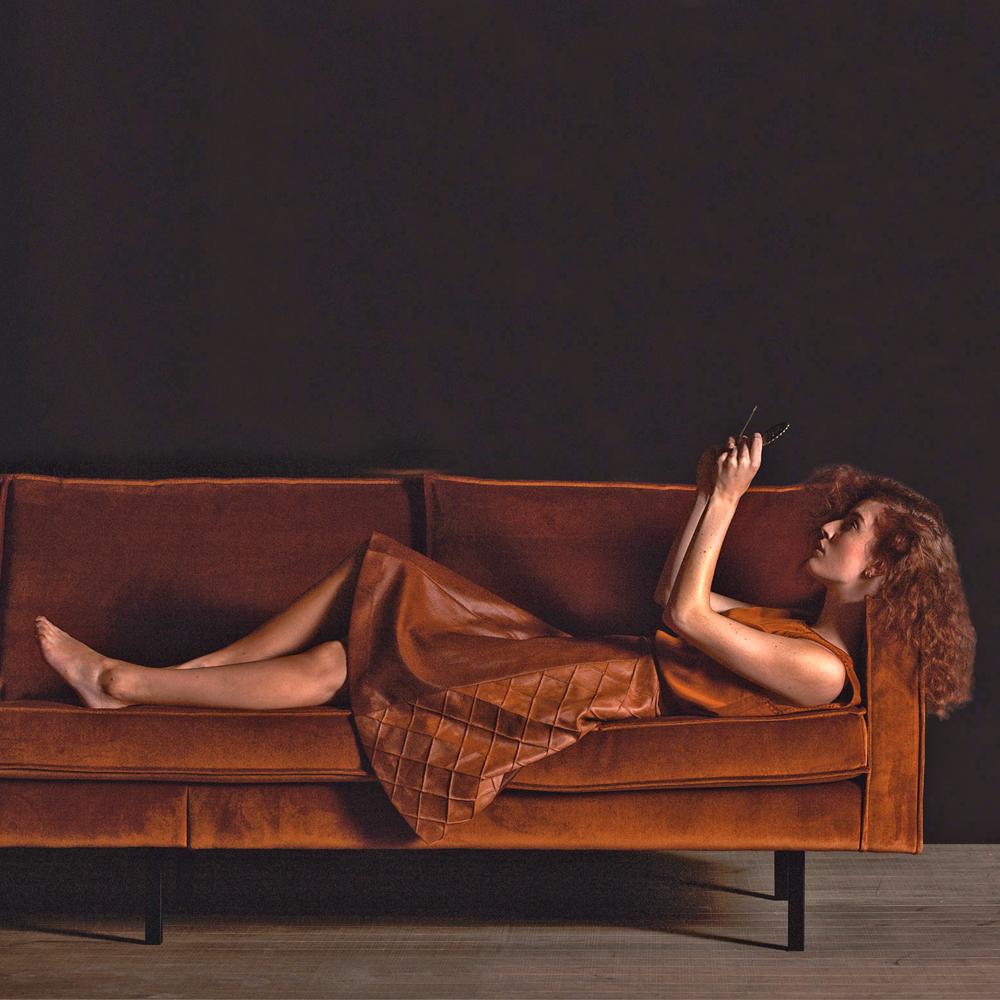 Sofa 3 sitzer rodeo samt rostfarben maison esto ihr for Couch 3 2 1 garnitur