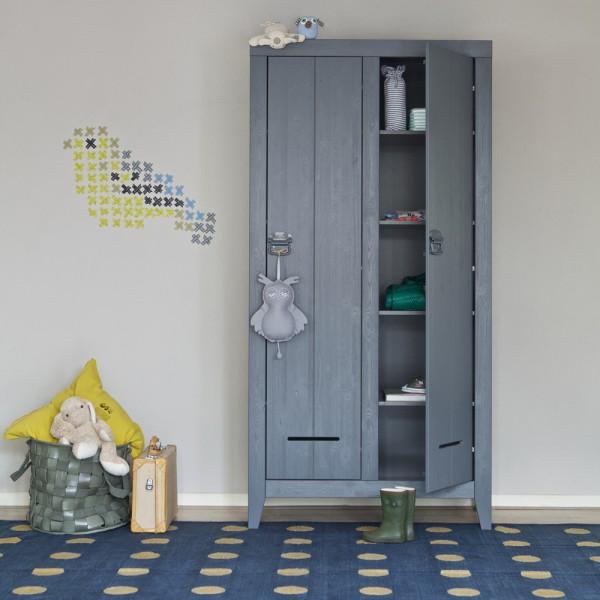 aufbewahrungsschrank kluis schrank holz kiefer grau wandschrank m bel new maison esto ihr. Black Bedroom Furniture Sets. Home Design Ideas