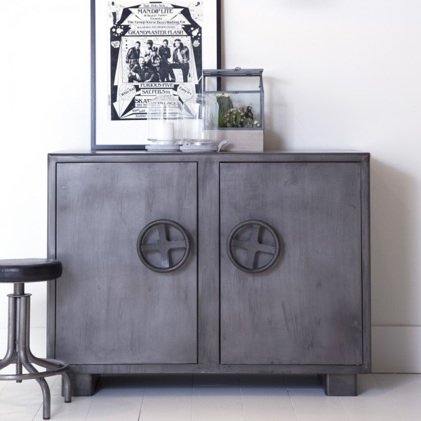 industrie design vintage metall sideboard kommode schrank tresor anrichte new maison esto. Black Bedroom Furniture Sets. Home Design Ideas